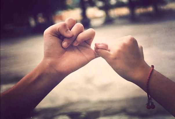 Легко сказать: «Я отдам за тебя жизнь!». И куда сложнее, вместо подвига на словах, ежедневно делать ради мужа (жены) простые вещи — сдерживать свое раздражение, не обижаться, прощать…