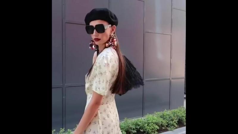 Съемка осеннего лукбука 📸🍁 ⠀ Наши фирменные шерстяные кардиганы в новых цветах актуальные плиссированные юбки и свитшоты с экс