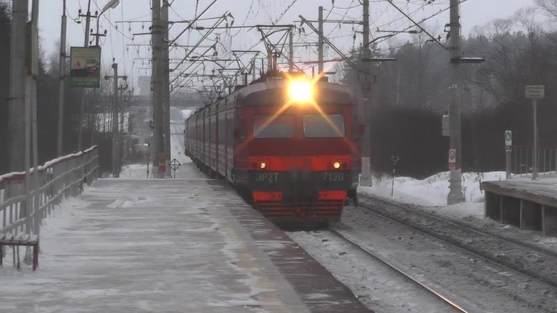 Электропоезд ЭР2Т-7120/7128 с приветливой бригадой