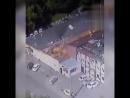 Момент двух взрывов в автосервисе в Москве попал на видео, 12 человек пострадали