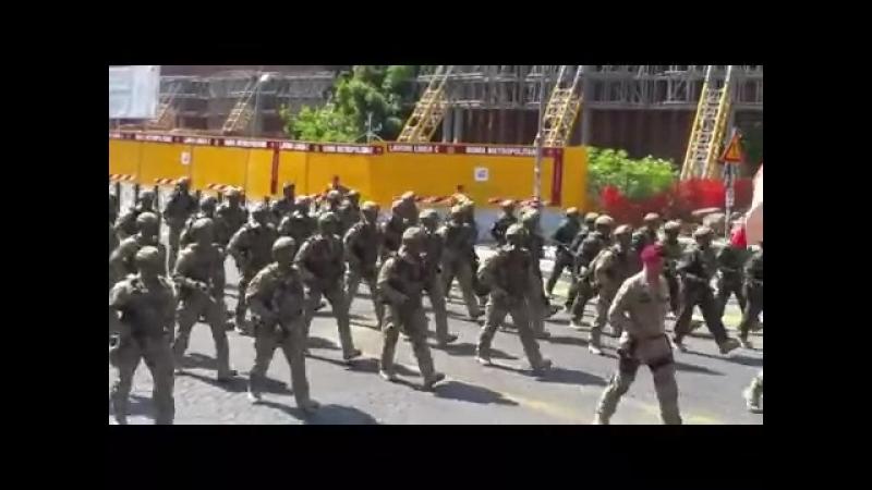 Incursori del 9 Col Moschin ai Fori Imperiali 2 giugno 2018 - YouTube