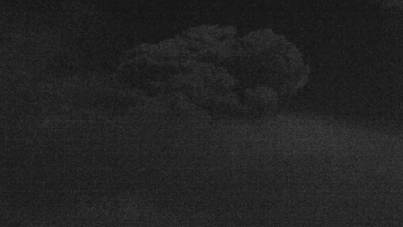 Вулкан Безымянный Пепловый выброс на высоту ~ 15 км над уровнем моря 2019 01 20 16 06 UTC