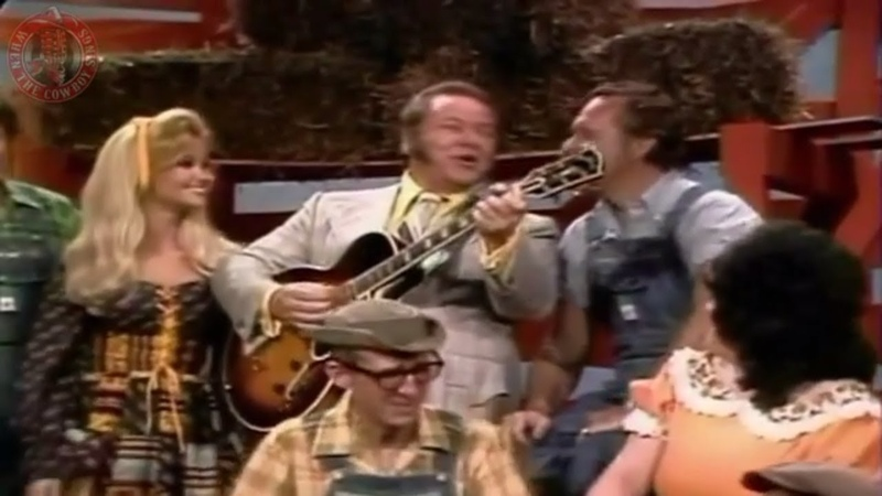 Roy Clark And The Whole Hee Haw Gang - Sally Was A Good Old Girl
