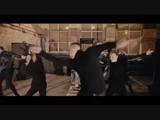 Даниил Гущин и танцоры Саратова на #дикийнашстиль