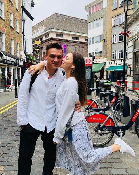 Объятия и поцелуи: Регина Тодоренко и Влад Топалов поделились совместными фото