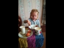 Ангелина готовит блинчики в деревне у прабабушки Нины