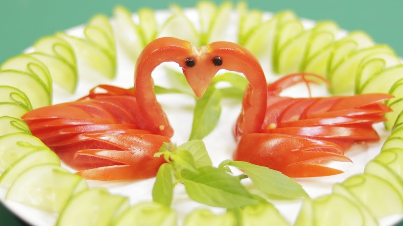 How to make an edible tomato twin swans carving garnish | Lavy Fuity
