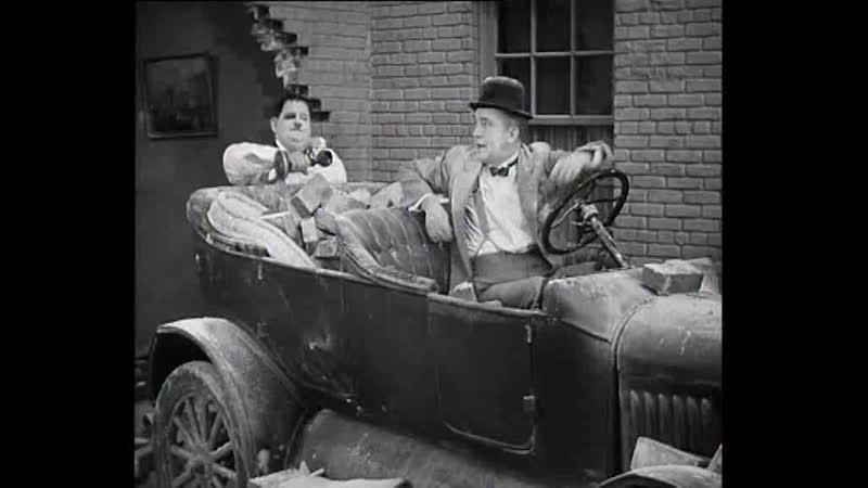 Laurel and Hardy - Saps At Sea - 1940