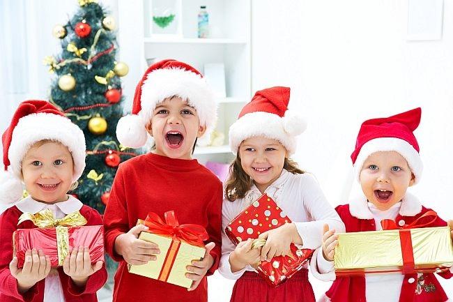 Новогодняя лотерея: стишки для подарков-розыгрышей