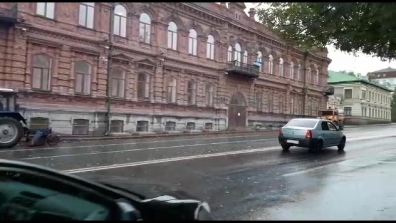 Проводится комплексная механизированная уборка улиц Советская и Пушкина