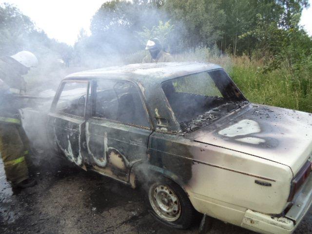 В Архызе сгорели два автомобиля