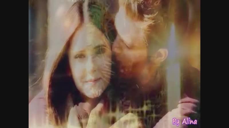 Elena-Stefan and Tyler-Caroline-новогодний поцелуй