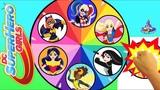 Juego de Ruleta Sorpresa de DC Super Hero Girls con Tesoro de Super Girl Wonder Woman Batgirl Harley
