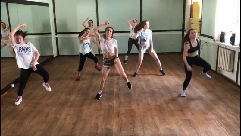 Good, good 💃🏻 female dancehall by Albi
