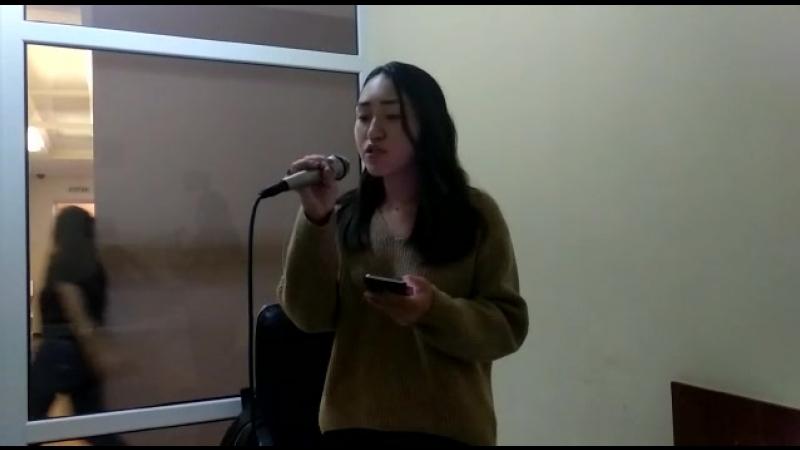 Нургалиева Жанна на уроке вокала