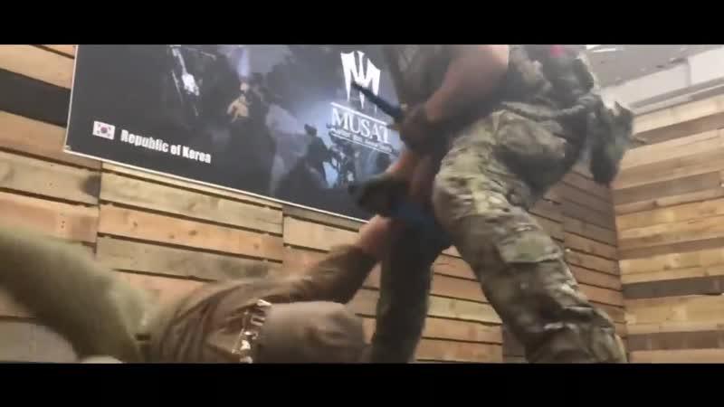 Krav Maga Defesa Pessoal Knife fight Comb 720P HD mp4