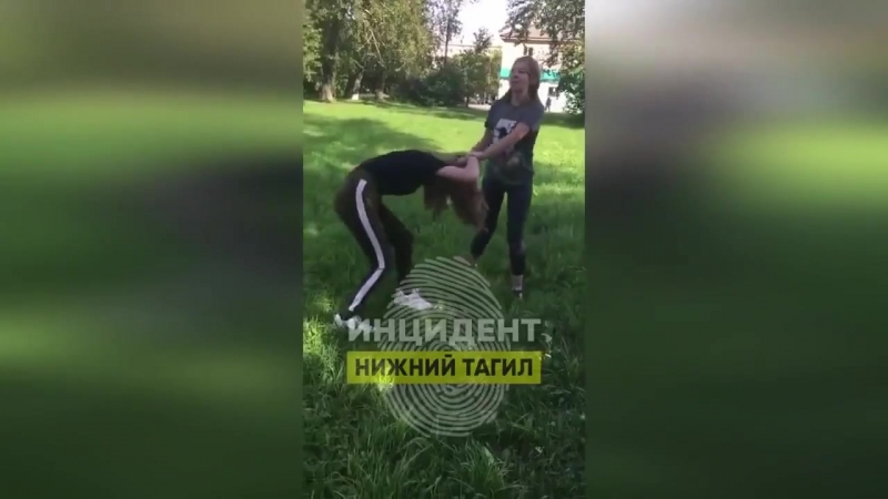 Малолетняя шкура из города Верхняя Салда (Свердловская область) жестоко избила сверстницу