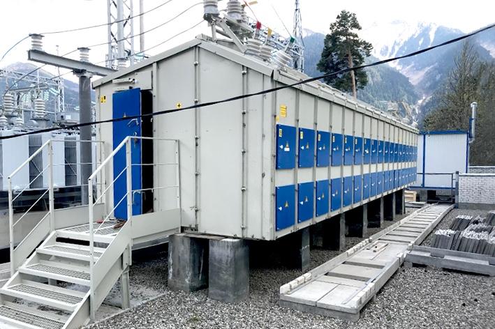 В Зеленчукском районе энергетики провели качественный ремонт оборудования подстанций