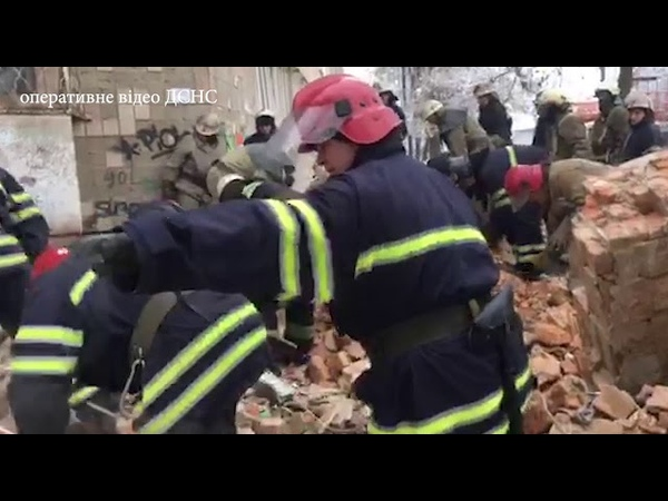 Ліквідація наслідків руйнування трьох поверхів житлового будинку у місті Фастів Київської області