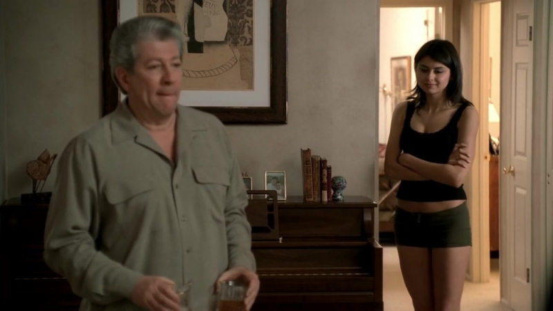 (Клан Сопрано S04E07_05) Тони заехал к депутату и увидел Ирину
