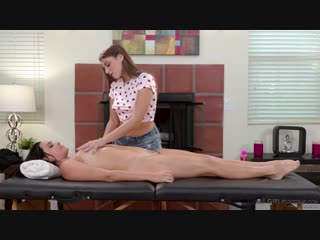 Zoey foxx and gia derza - 4 hands 2 sisters [massage, lesbian]