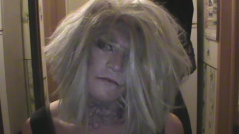 Гея наркобарыгу трансвестита крепят с мефедроном Real video