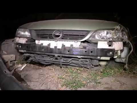 В Днепре водитель Opel убегал от погони и попал в ДТП