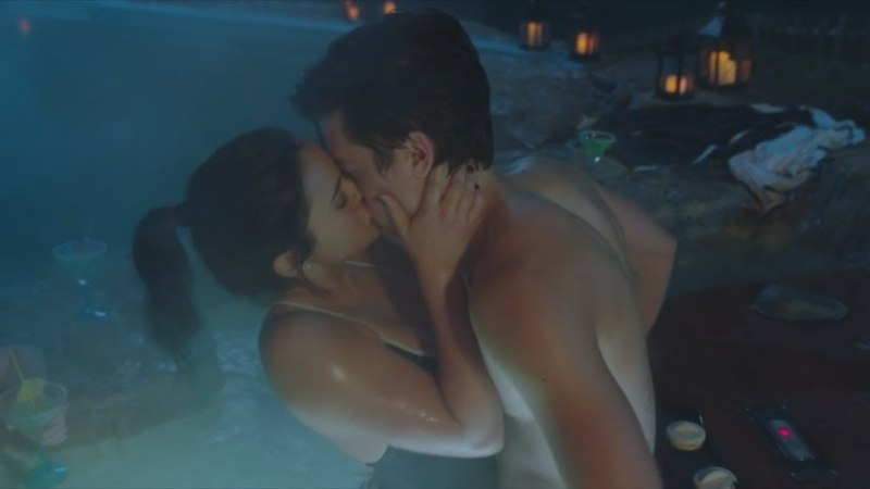 Джагхед и Вероника поцеловались. Ривердейл 2 сезон 14 серия.