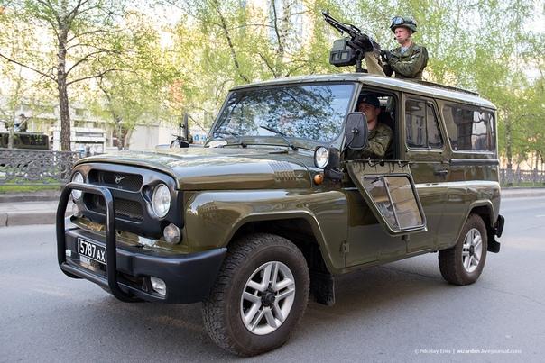 УАЗ Гусар - стоит на вооружении РФ