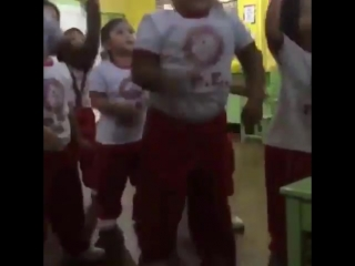 This kid got the best dancers in kpop shaking in their boots