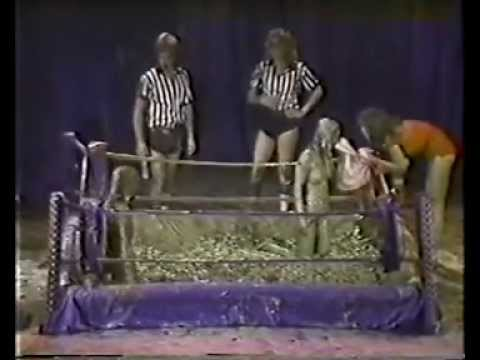 Mud wrestling in USA, by Japanese stuff, very sexy and exciting