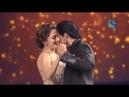 Shahrukh khan dances with madhuri dixit at film fare Award