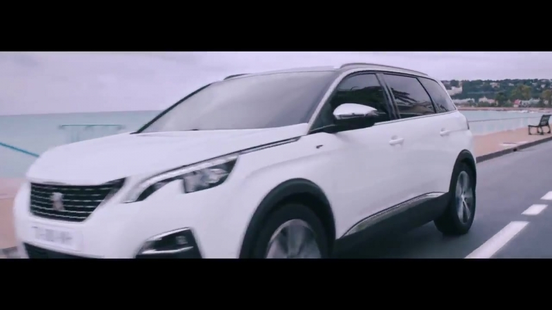 The crazy chase is on, will our players catch the SUVPeugeot5008 Check it out in the movie
