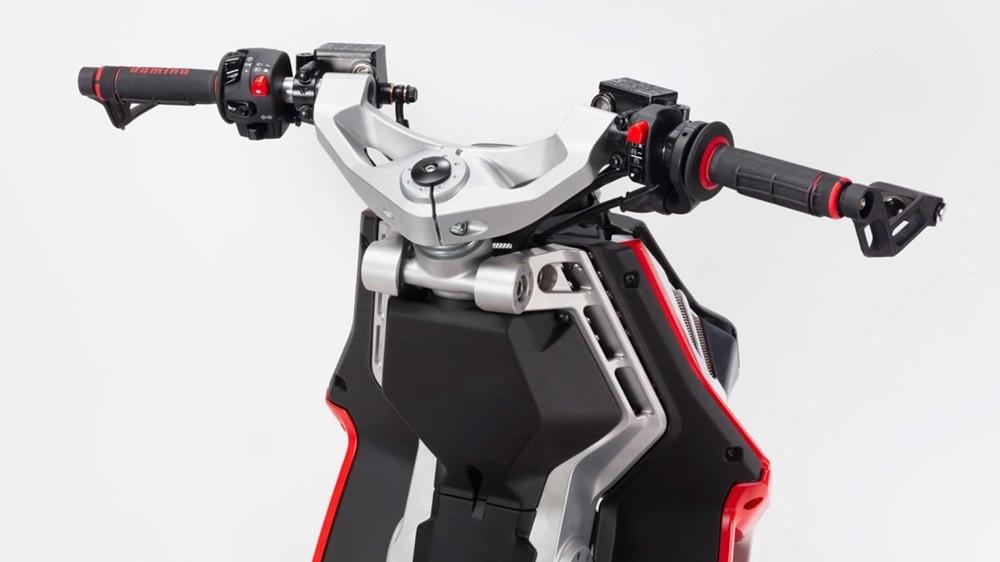 EICMA 2018: скутер Italjet Dragster 2019