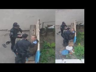 Как ведут себя полицаи, когда их не видят.