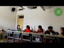 Студентки из Франции поют песню на своем родном языке