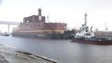 2018-04-28 - Уход ПАТЭС Академик Ломоносов пр 20870 из Санкт-Петербурга
