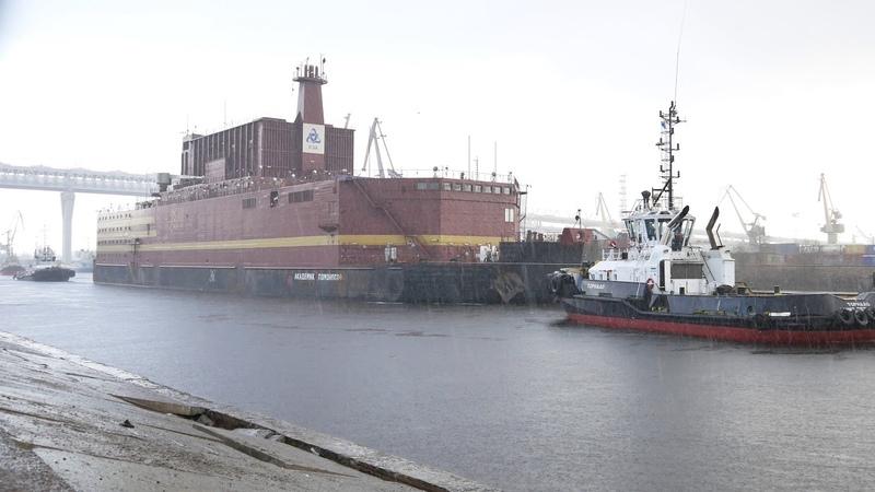 2018-04-28 - Уход ПАТЭС «Академик Ломоносов» пр 20870 из Санкт-Петербурга