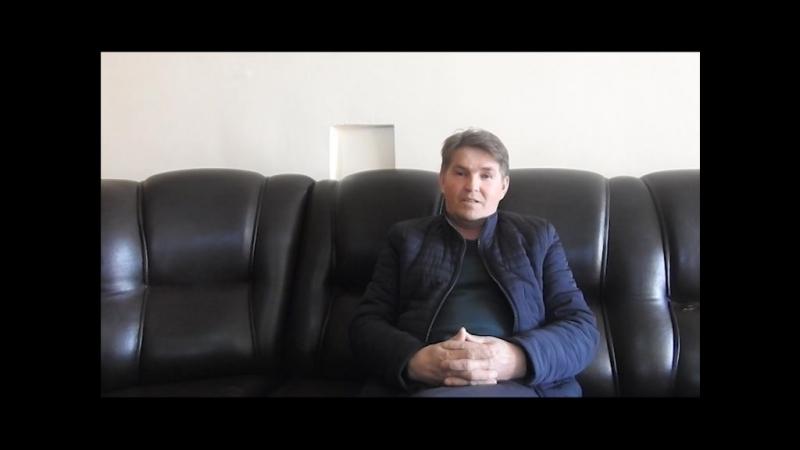 Олег Дыгаев читает стихи Ашальчи Оки
