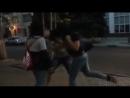 Девченка отправляет парня в нокаут