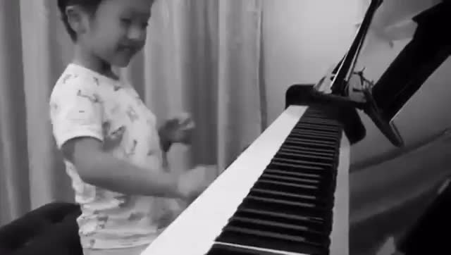"""Piano Lover on Instagram: """"Flood Time ⇢ By Tsung Tsung DoubleTap Tag a Friend Below⤵ 💋 😍 💟 🙏 Plz Follow us - @piano._.lover_ Tag your love 😘 ✅ T..."""