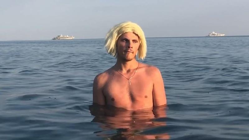 "Андрей Борисов on Instagram: ""А ты кто на море?  Спасибо дружбану @starinasaadi  Дико проорались пока снимали 😂"""