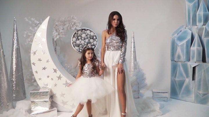 """@iamspecial.ru on Instagram: """"Поделитесь с нами, как вам блистательный Family look? 😍 Что нравится или не нравится? ⠀ Детское платье Гавана - для ..."""