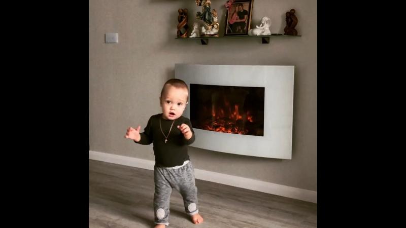 🌟10 месяцев🌟 Первые шаги 👣 десятьмесяцев 10месяцев сынок первыешаги baby babyboy happy family love surgut