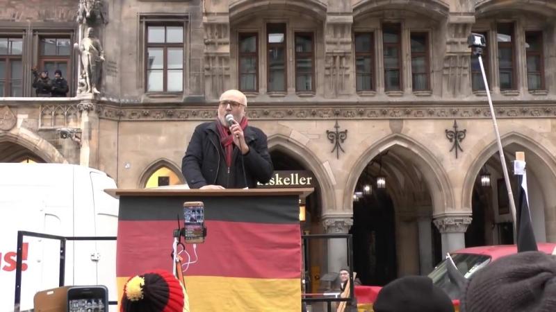 Ernst Cran beim Neustart von Pegida München - Wir nennen die Schweinereien beim Namen