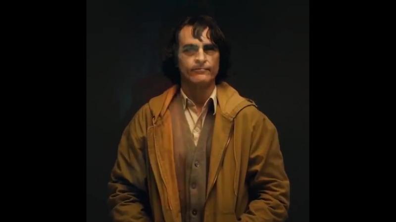 'Joker' Director Reveals First Look at Joaquin Phoenix in Makeup