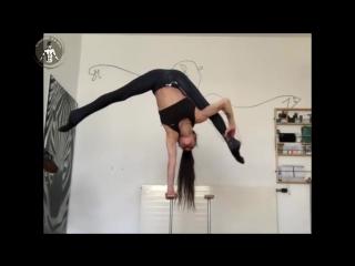 SLs INSANE FLEXIBILITY _ Stefanie Millinger