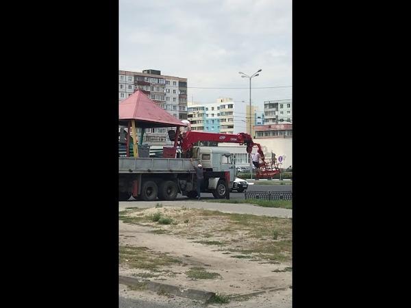 В Старом Осколе грузовик снес кабель электропередач