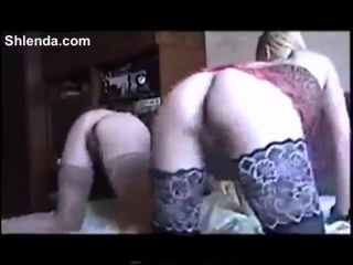 Старый дед трахает двух молоденьких студенток в чулочках Old daddy fucks two young sluty college student in stockings