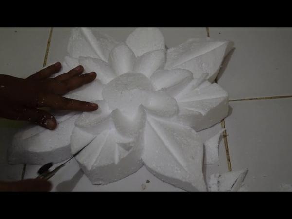 Cara mengukir styrofoam motif bunga